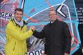 CARL REHDER GMBH Versicherungsmakler sponsert Surf-Profi Vincent Langer